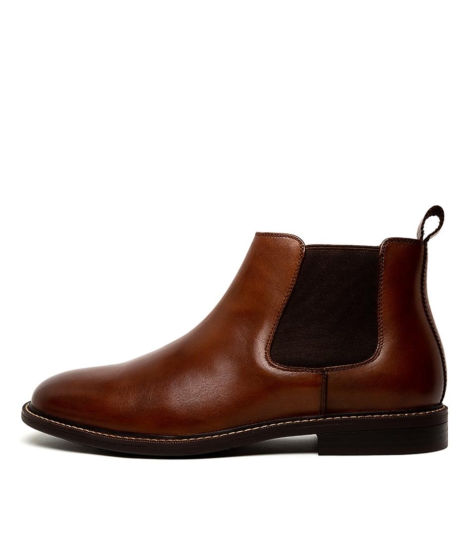 61c665b04b1 hanger tan leather