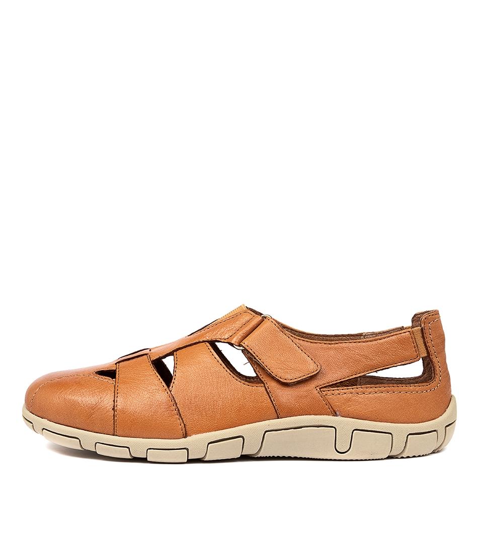 hollister tan-e leather