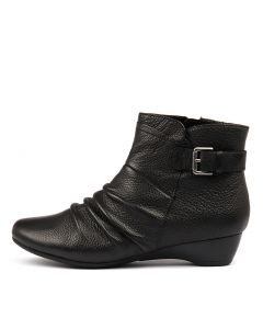 DIONNE BLACK LEATHER
